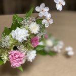 うすいピンク色の桜がかわいいプリザーブド仏花