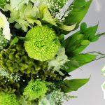 新作のご紹介〜ケイトウを使ったグリーンカラーのプリザーブド仏花